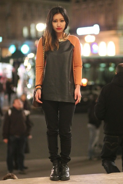 carrot orange chicnova blouse - black vagabond boots