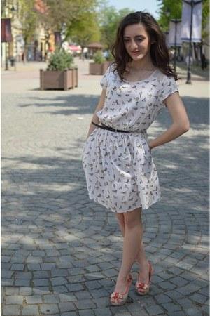size xs H&M dress - H&M belt - size 3 leather sandals - necklace
