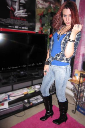 black Fioni boots - blue Wet Seal top - blue Forever 21 top - blue Forever 21 je