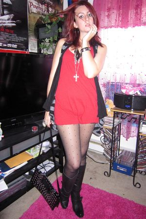 red Blue Asphalt top - black Forever 21 shorts - black Forever 21 vest - black F