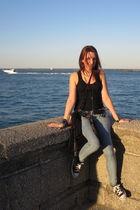 black Forever21 top - blue Forever 21 jeans - black Airwalk shoes - black Foreve