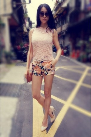 carrot orange floral Zara shorts - light pink lace Forever21 top