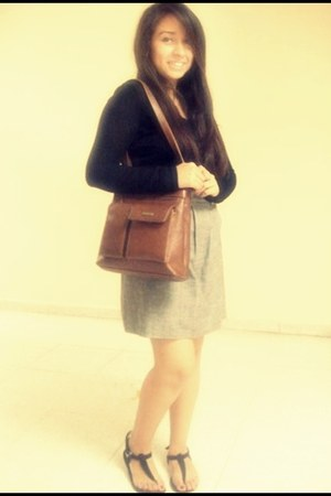 burnt orange vintage bag - black top - heather gray skirt