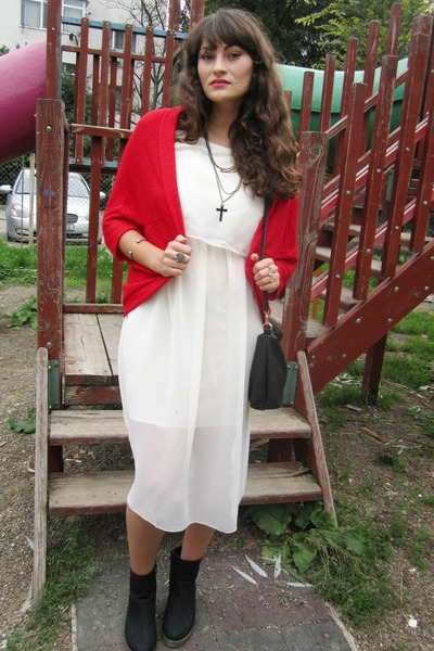 Red Ebay Cardigans, Black New Look Boots, Off White Chicnova ...