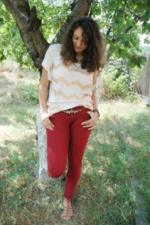 bronze puppy Mochi Beaucoup belt - ruby red Bershka jeans - light pink H&M top
