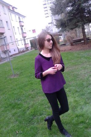 shoe heels shoes - basic leggings - silk blouse - glasses