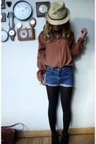 Zara blouse - vintage shorts - vintage bag - Primark hat