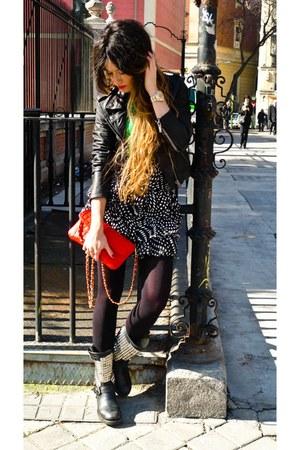 green Zara t-shirt - ASH boots - black leather Topshop jacket - Forever 21 skirt