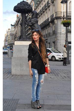 black Zara blazer - black special edition Zara shoes - blue destroyed Zara jeans