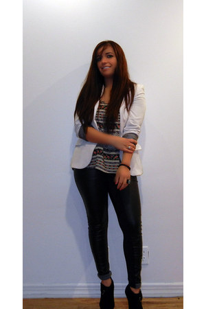 black shoes - white blazer - dark gray blouse - black pants