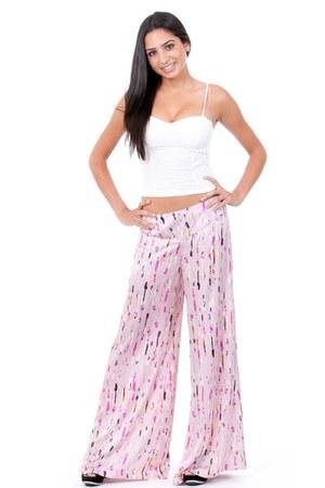 pink pants - white top