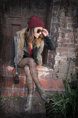 Zara hat - kate spade sunglasses