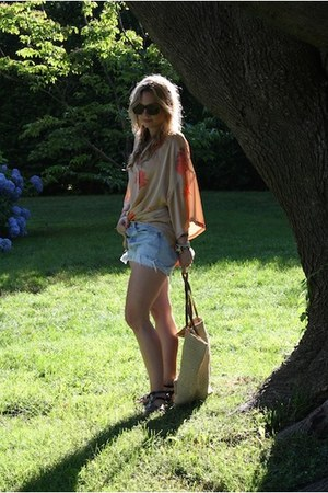 cream Zara shirt - dark khaki Target bag - light blue Levis shorts - dark brown