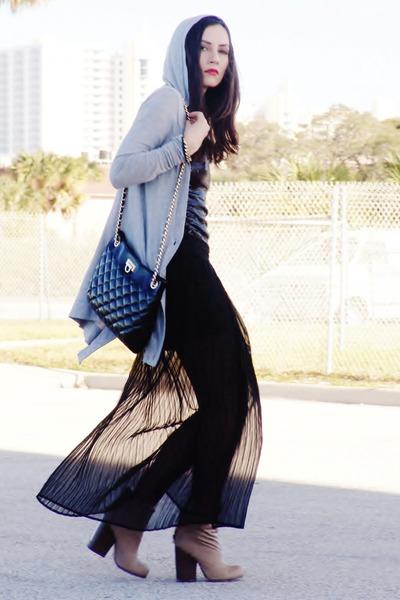 tan boots - black bag - silver cardigan - black vintage skirt