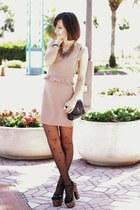 beige Love dress - camel shoes - black vintage bag - gold arty ring