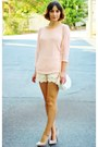 White-bag-neutral-shorts-tan-heels-light-pink-top