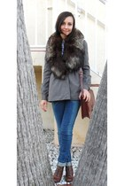 brick red elle boots - gray coat - teal jeans - dark gray fur scarf - brick red