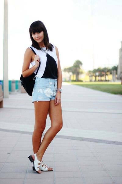 white top - light blue Oasapcom shorts