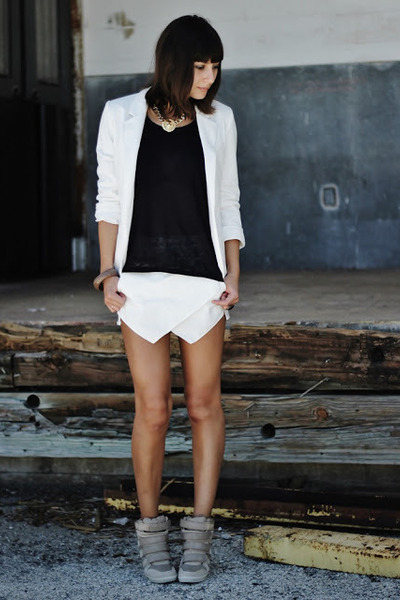 ivory persun blazer - ivory choiescom shorts - black Michael Kors t-shirt