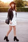 Black-oasapcom-boots-white-oasapcom-dress