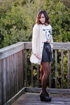 black faux leather AX Paris skirt - forest green Jeffrey Campbell boots