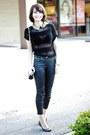 Black-jeans-black-top-gold-accessories