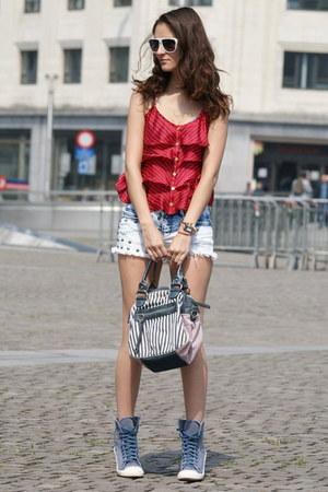 Forever 21 top - Bershka shorts - new look wedges