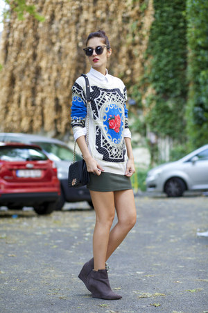 Chicwish sweater - Chicwish sunglasses - AmiClubWear skirt