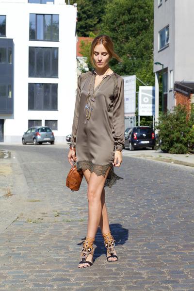Style-moi-dress-dresslink-bag