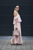 Chicwish dress - VIKI LYNN necklace - sam edelman sandals