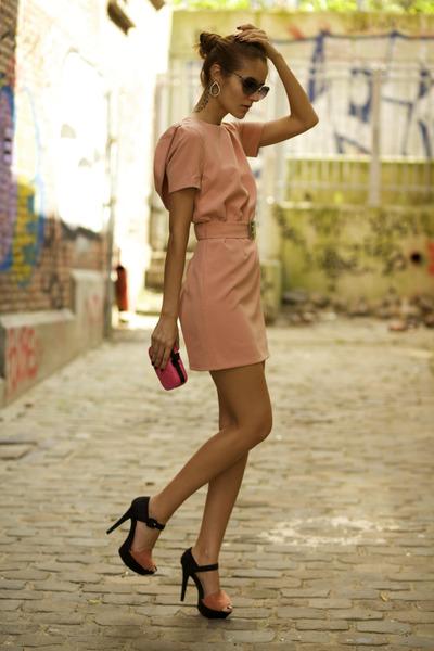 Lady-La dress - Pretty Purple Boutique earrings