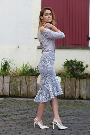 f9aae75b5b11 Chicwish Skirt - How to Wear and Where to Buy