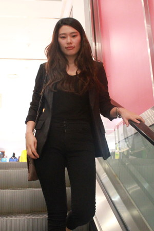 dark gray jacket - black H&M shirt - black Zara pants