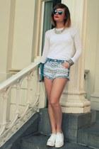 Bershka shorts - Zara t-shirt