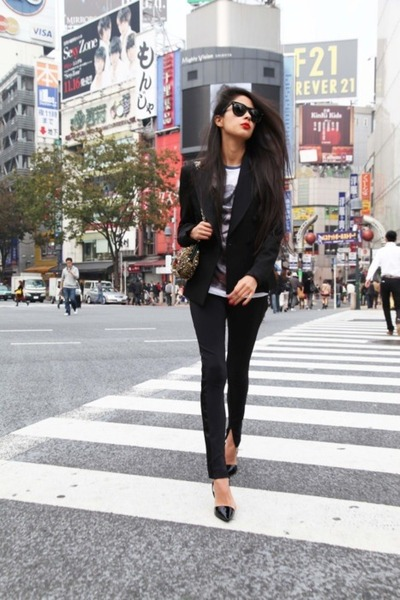 black blazer - cat eye sunglasses - graphic t-shirt - dorsay pump heels