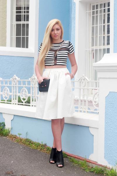 white Mr Price skirt