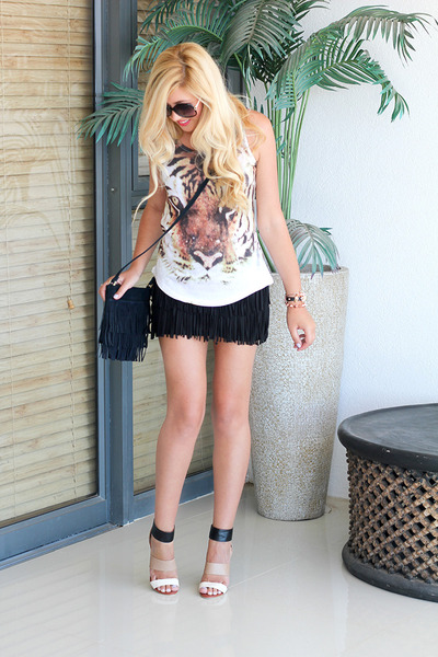 black fringing Zara skirt