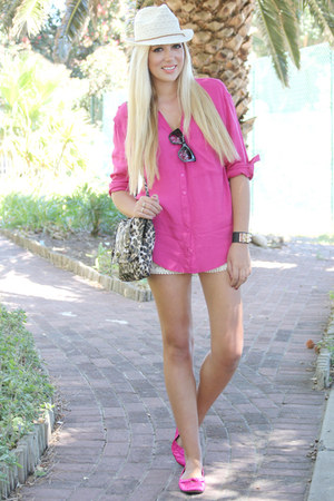 hot pink Mr Price shirt - eggshell crochet romwe shorts