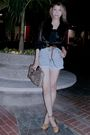 Brown-bag-gold-maria-shoes-black-mostaza-blouse-blue-lee-shorts-black-st
