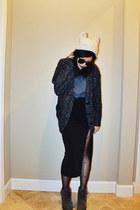 dark gray chunky knit kensie cardigan - army green laced Burberry boots