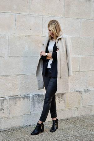 black ankle boots Stradivarius boots - cream H&M coat - black Sheinside blazer