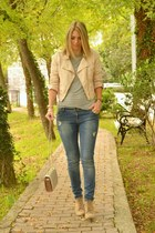 peach biker H&M jacket - beige ankle boots Zara boots - Stradivarius jeans