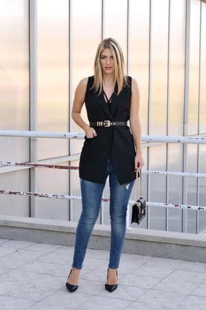 black hm belt - Stradivarius jeans - black sleeveless Sheinside blazer