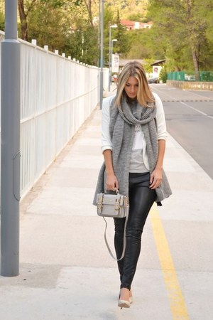 white Sheinside blazer - heather gray knitted Zara scarf