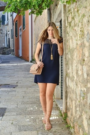 navy Zara dress - tassel Happiness Boutique necklace