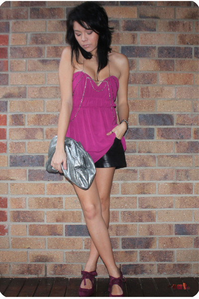 purple Cooper St top - silver Steve by Steve Madden - black Valleygirl shorts -