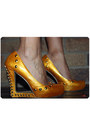 Black-finders-keepers-jumper-yellow-gojane-shoes-light-yellow-olga-berg-bag-