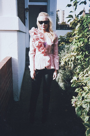 vintage jacket - vintage pants - Raybans sunglasses - Ebay vintage shoes