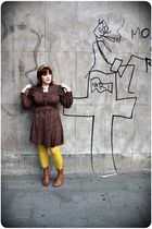 brown vintage dress - yellow H&M tights - brown Aces of London shoes - yellow H&