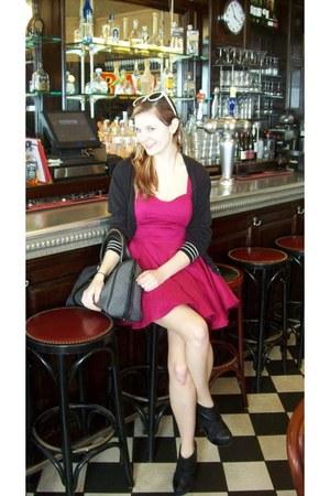 hot pink Forever 21 dress - gray thrifted vintage bag - black Heritage 1981 card